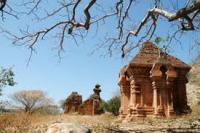 Những tháp Chăm nổi tiếng nhất Việt Nam